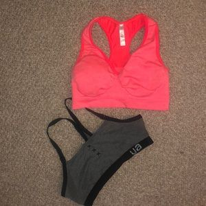 2 sports bras (under armor and Soma)
